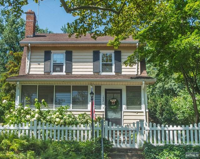 152 Essex Avenue, Glen Ridge, NJ 07028 (#1836381) :: Group BK