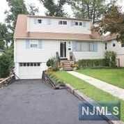 17 Park Street, West Caldwell, NJ 07006 (MLS #1836837) :: William Raveis Baer & McIntosh