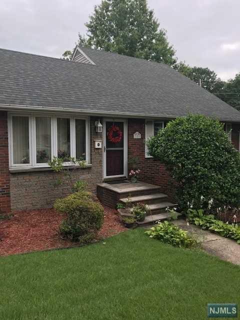 785 Charlotte Terrace, Ridgefield, NJ 07657 (#1837461) :: Group BK
