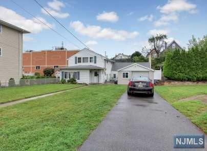 17 Strong Street, Wallington, NJ 07057 (MLS #1837846) :: William Raveis Baer & McIntosh