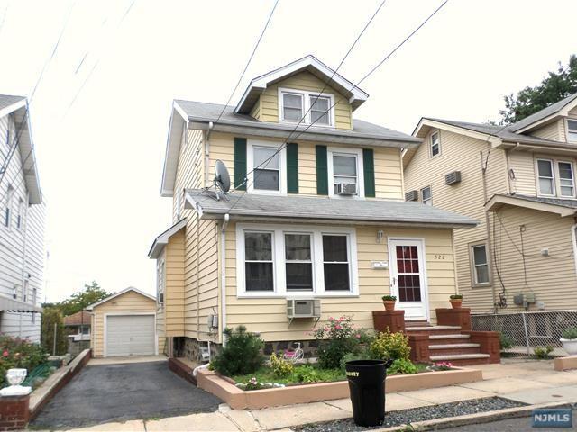 522 Kearney Avenue, Cliffside Park, NJ 07010 (#1838901) :: Group BK