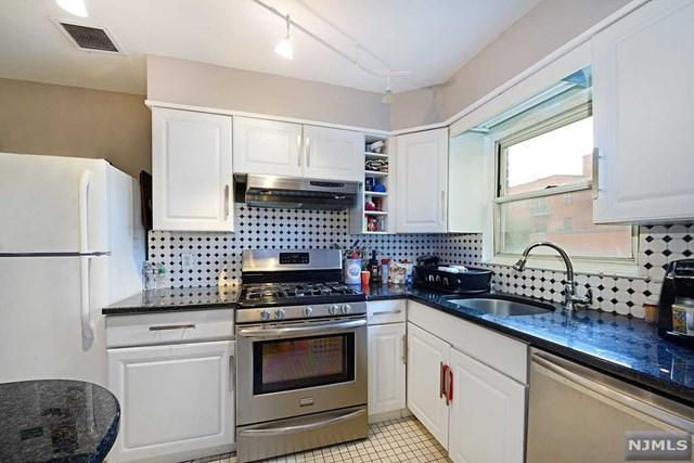 21 Edgewater Place, Edgewater, NJ 07020 (#1838966) :: Group BK