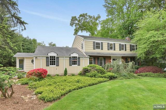 363 Lakeview Drive, Wyckoff, NJ 07481 (#1839125) :: RE/MAX Properties