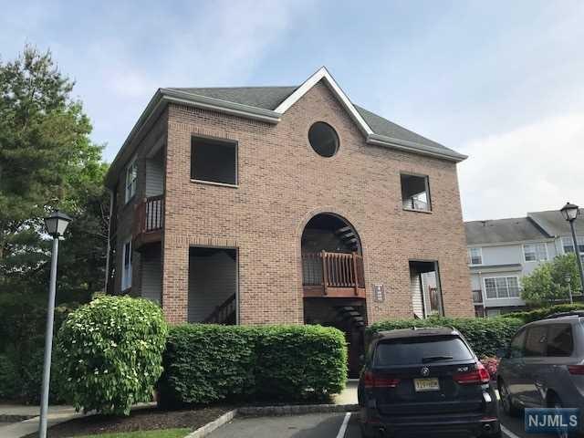 438 Lee Court, Fort Lee, NJ 07024 (#1839417) :: Group BK