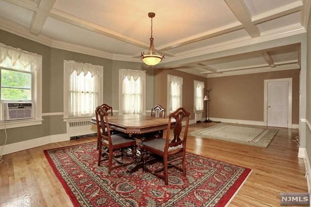 182 Franklin Avenue, Midland Park, NJ 07432 (MLS #1839485) :: The Dekanski Home Selling Team