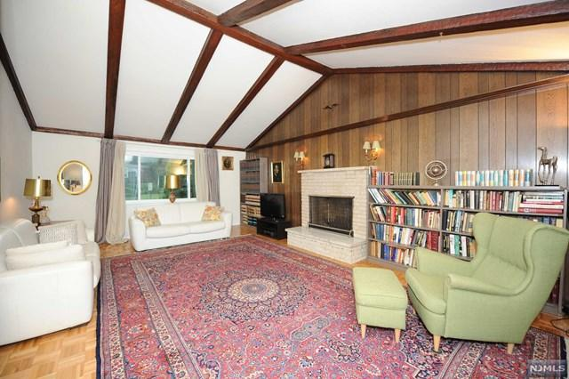 5 Margie Avenue, Cresskill, NJ 07626 (MLS #1840326) :: The Dekanski Home Selling Team