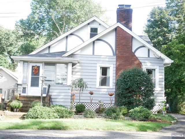 12 Martin Place, Little Falls, NJ 07424 (#1840603) :: Group BK