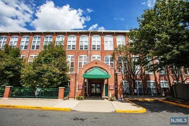 262 Main Street #305, Little Falls, NJ 07424 (#1840697) :: Group BK