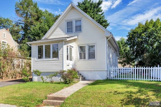 12 Lakeview Street, River Edge, NJ 07661 (MLS #1840776) :: The Dekanski Home Selling Team