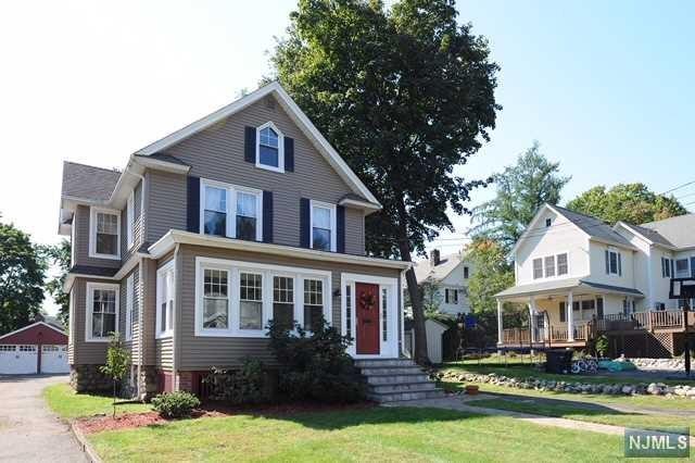 45 Elm Street, Allendale, NJ 07401 (MLS #1840965) :: William Raveis Baer & McIntosh