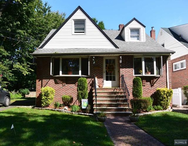 733 Day Avenue, Ridgefield, NJ 07657 (MLS #1840967) :: William Raveis Baer & McIntosh