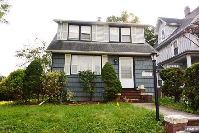 906 Elm Avenue, Ridgefield, NJ 07657 (MLS #1840972) :: William Raveis Baer & McIntosh