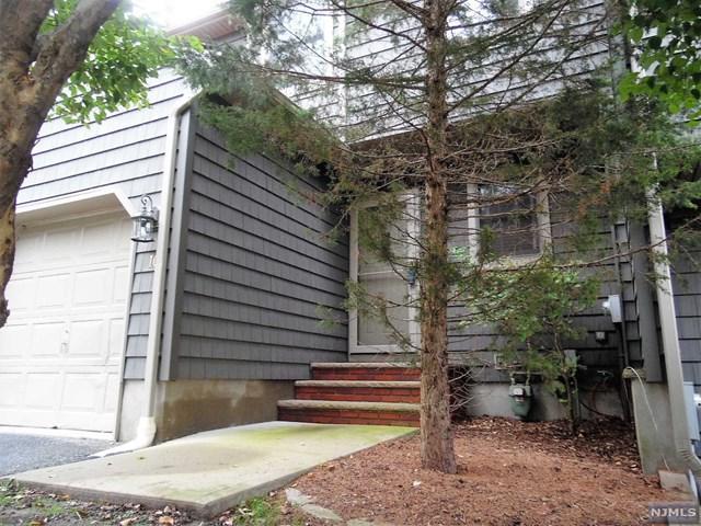 10 Mountain Ridge Road, Bloomingdale, NJ 07403 (#1841549) :: Group BK