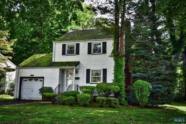 142 Lexington Avenue, Cresskill, NJ 07626 (MLS #1841777) :: The Dekanski Home Selling Team