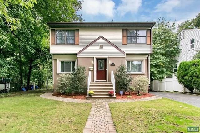 676 Elm Avenue, Ridgefield, NJ 07657 (MLS #1841901) :: William Raveis Baer & McIntosh