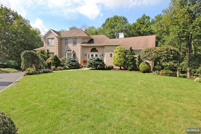 10 Fox Hollow Road, Montville Township, NJ 07045 (MLS #1841915) :: William Raveis Baer & McIntosh