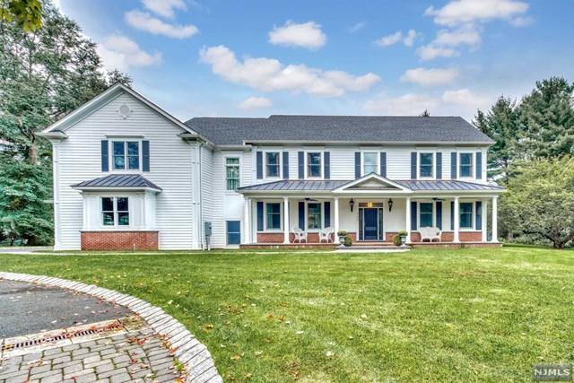 764 Commanche Lane, Franklin Lakes, NJ 07417 (MLS #1842037) :: William Raveis Baer & McIntosh