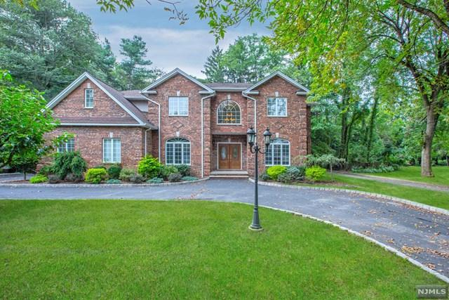 701 Paramus Road, Paramus, NJ 07652 (MLS #1842471) :: The Dekanski Home Selling Team