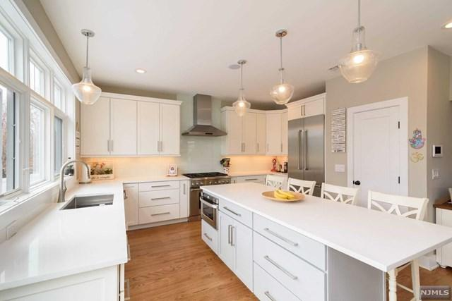 142 Heatherhill Road, Cresskill, NJ 07626 (MLS #1842571) :: The Dekanski Home Selling Team