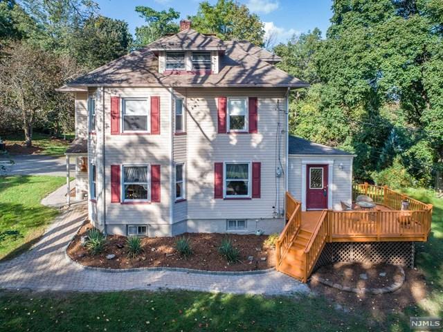 6 William Street, Bloomingdale, NJ 07403 (MLS #1842594) :: William Raveis Baer & McIntosh