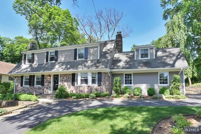 454 Summit Street, Ridgewood, NJ 07450 (MLS #1842608) :: The Dekanski Home Selling Team