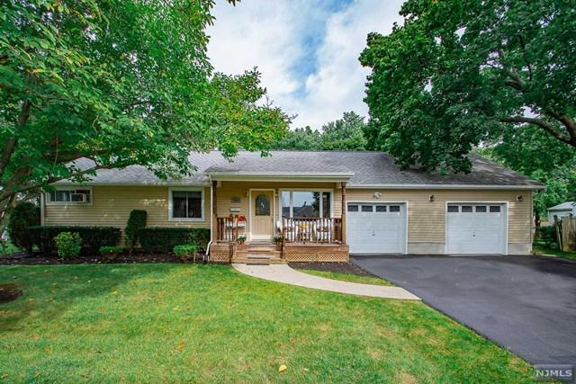 319 E Midland Avenue, Paramus, NJ 07652 (MLS #1842677) :: The Dekanski Home Selling Team