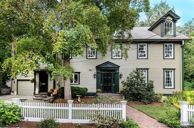 66 Brookside Avenue, Allendale, NJ 07401 (MLS #1842701) :: The Dekanski Home Selling Team