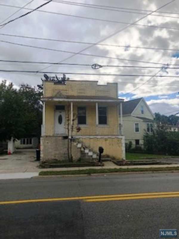 303 Main Street, Little Ferry, NJ 07643 (#1842824) :: Group BK