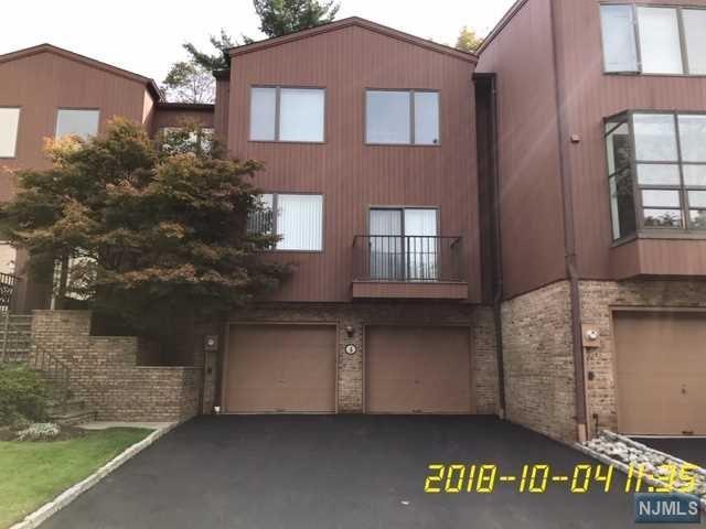 4 Sutton Place, Englewood, NJ 07631 (MLS #1842848) :: The Dekanski Home Selling Team