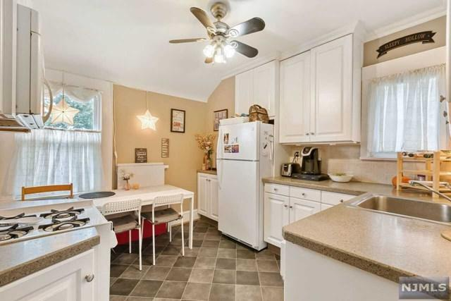 62 King Street, Haledon, NJ 07508 (#1842885) :: Group BK