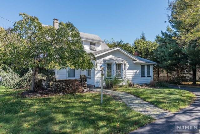 238 Squaw Brook Road, North Haledon, NJ 07508 (MLS #1843113) :: William Raveis Baer & McIntosh