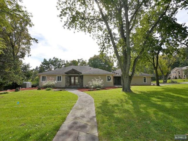 15 W Hill Road, Woodcliff Lake, NJ 07677 (MLS #1843303) :: William Raveis Baer & McIntosh
