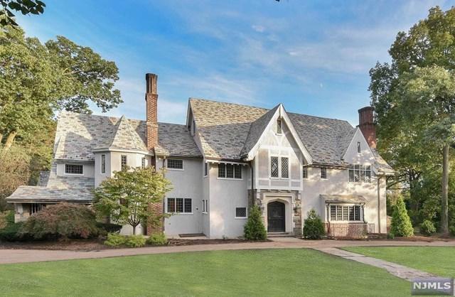 401 Mountain Avenue, Ridgewood, NJ 07450 (MLS #1843405) :: The Dekanski Home Selling Team