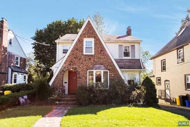 881 Prince Street, Teaneck, NJ 07666 (MLS #1843429) :: The Dekanski Home Selling Team