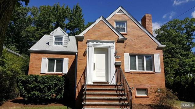 151 Mcelroy Avenue, Fort Lee, NJ 07024 (MLS #1843434) :: The Dekanski Home Selling Team