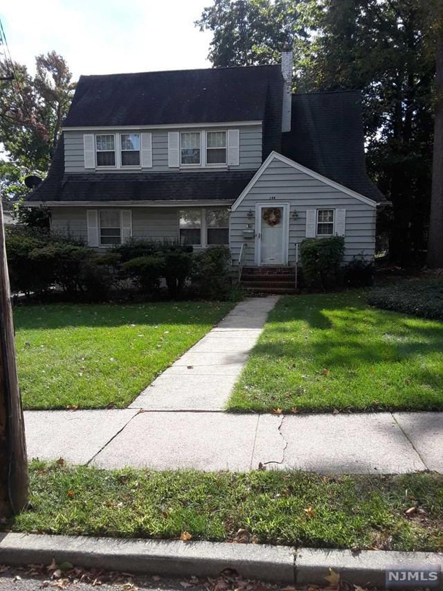 296 Edgewood Avenue, Teaneck, NJ 07666 (MLS #1843442) :: The Dekanski Home Selling Team