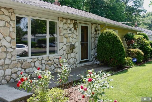 277 Taft Road, River Edge, NJ 07661 (MLS #1843461) :: The Dekanski Home Selling Team