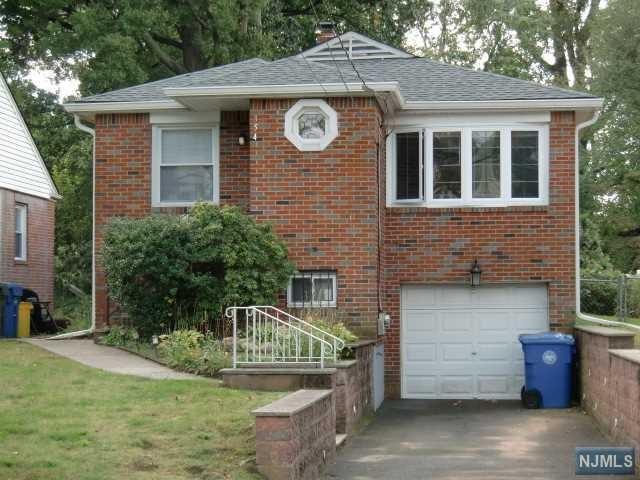 354 W Palisade Avenue, Englewood, NJ 07631 (MLS #1843504) :: The Dekanski Home Selling Team