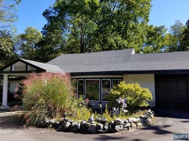 333 Sunset Road, Pequannock Township, NJ 07444 (MLS #1843511) :: William Raveis Baer & McIntosh