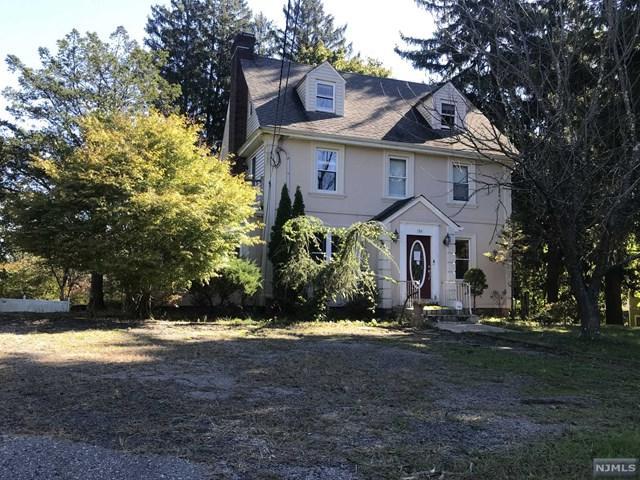 184 Werimus Road, Woodcliff Lake, NJ 07677 (#1843528) :: RE/MAX Properties