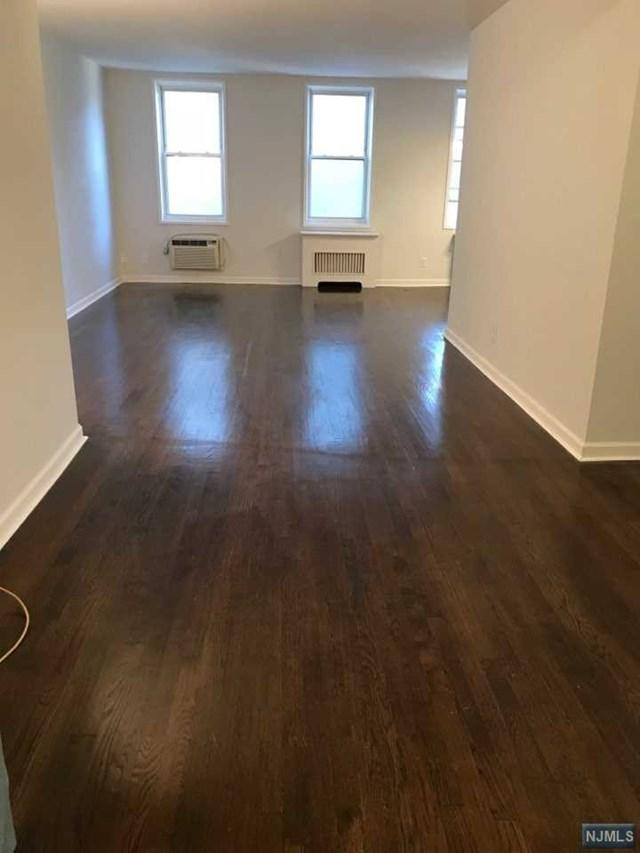 2160 Center Avenue 4N, Fort Lee, NJ 07024 (MLS #1843551) :: The Dekanski Home Selling Team