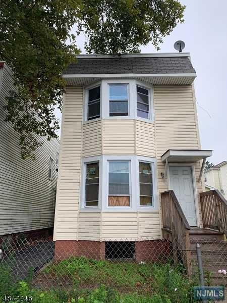 301 Nye Avenue, Irvington, NJ 07111 (MLS #1843693) :: William Raveis Baer & McIntosh