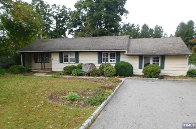 9 Mohawk Trail, West Milford, NJ 07480 (MLS #1843702) :: The Dekanski Home Selling Team