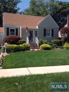 473 Sutton Avenue, Hackensack, NJ 07601 (MLS #1843858) :: The Dekanski Home Selling Team