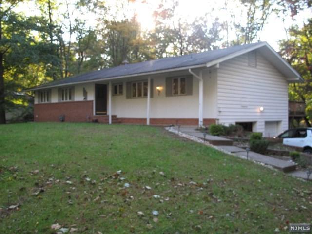 380 Valley Road, Haworth, NJ 07641 (MLS #1844467) :: William Raveis Baer & McIntosh