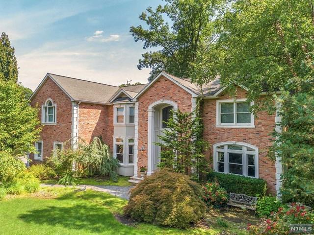 42 Berkshire Road, Woodcliff Lake, NJ 07677 (#1845242) :: RE/MAX Properties