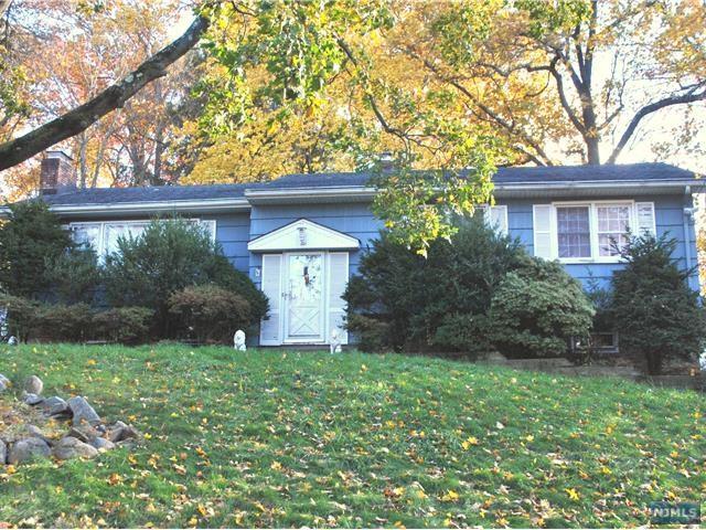 679 Calvin Street, Twp Of Washington, NJ 07676 (#1845299) :: RE/MAX Properties