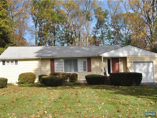 518 Helena Avenue, Wyckoff, NJ 07481 (#1845731) :: RE/MAX Properties