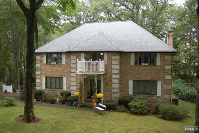 884 Hilltop Terrace, Franklin Lakes, NJ 07417 (#1845899) :: Group BK