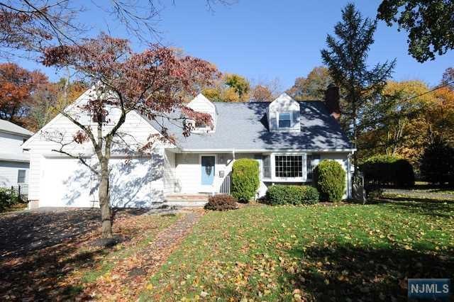 721 Warren Avenue, Ho-Ho-Kus, NJ 07423 (#1846344) :: RE/MAX Properties